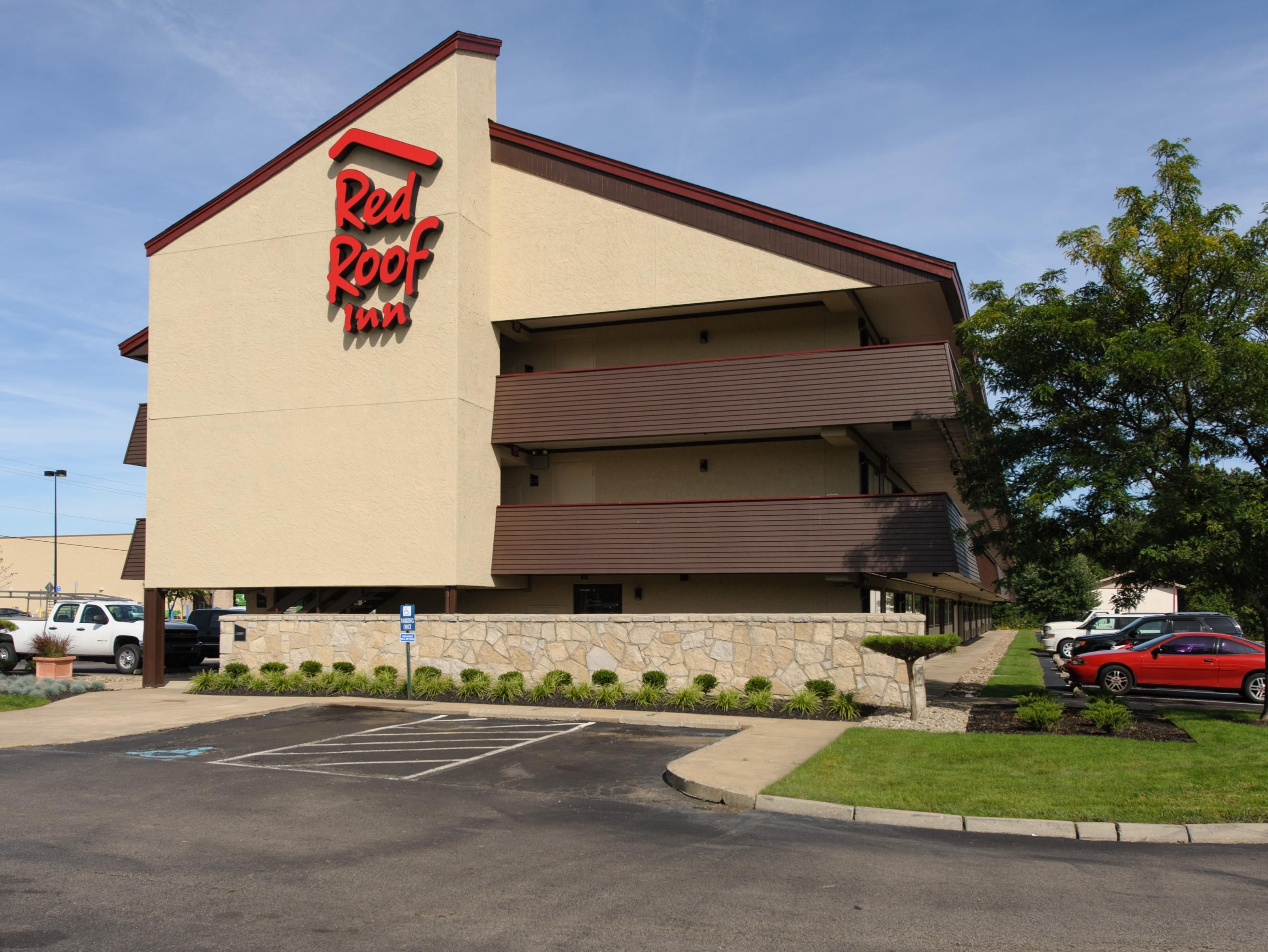 Akron (OH) Red Roof Inn Akron United States, North America Set In A