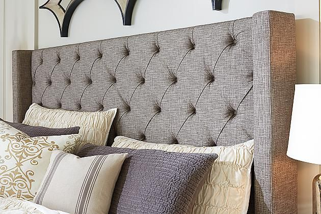 Best A Sleek Gray With Tufted Buttons What A Fancy Bed The Sorinella Bed Queen Upholstered 640 x 480