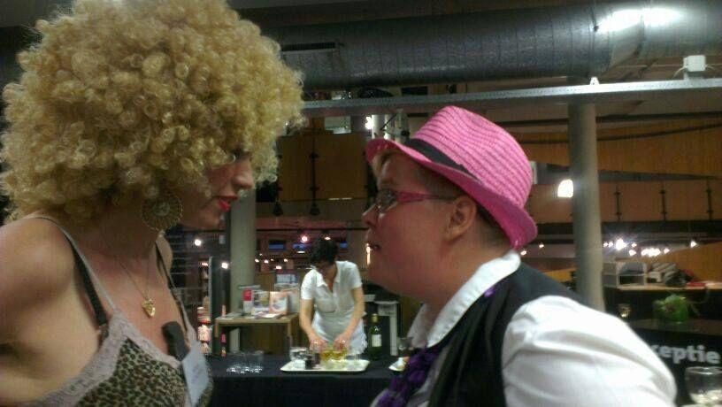 Met Mirella Herwegh op de moordavond van de Bibliotheek.
