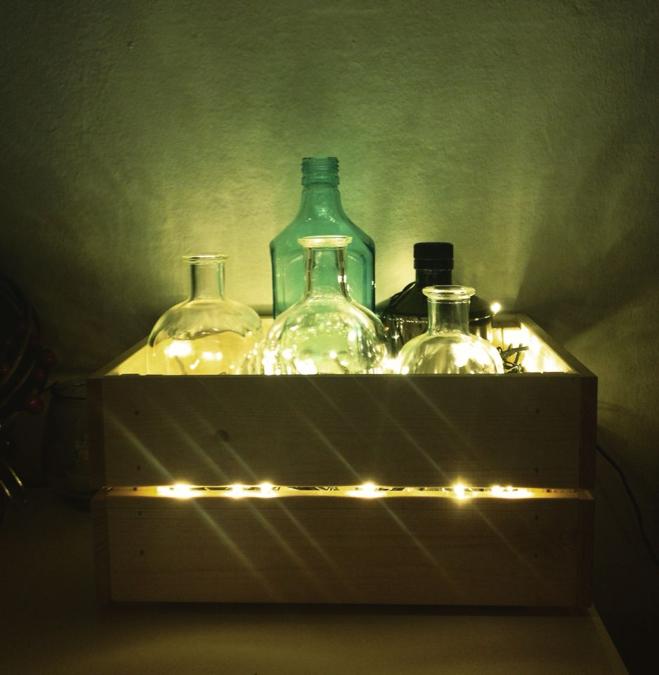 Diy lamp with liquor bottles, led and woodden box lampada