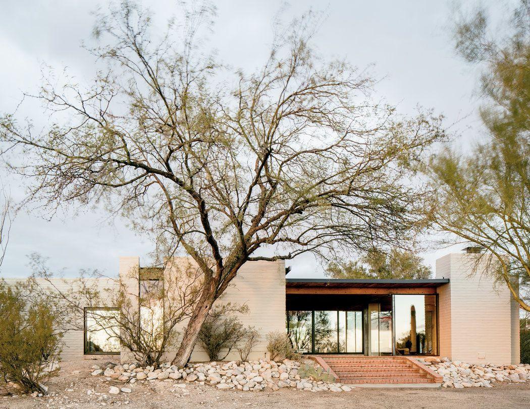 A Broadway Set Designer S Home In The Desert The New York Times Desert Homes Arizona House Adobe House