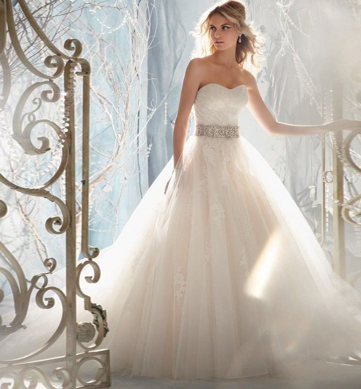 Wedding dresses pretty