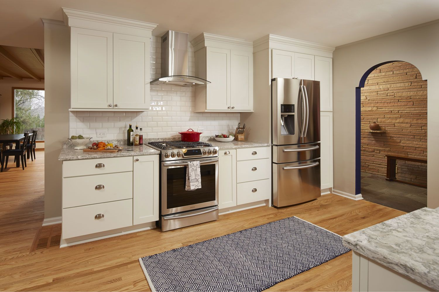 This Efficient Kitchen Design Uses CliqStudios Rockford Cabinets In Painted  White Finish. Thereu0027s Lots Of Easy To Reach Storage With Deep Drawers And A  Tall ...
