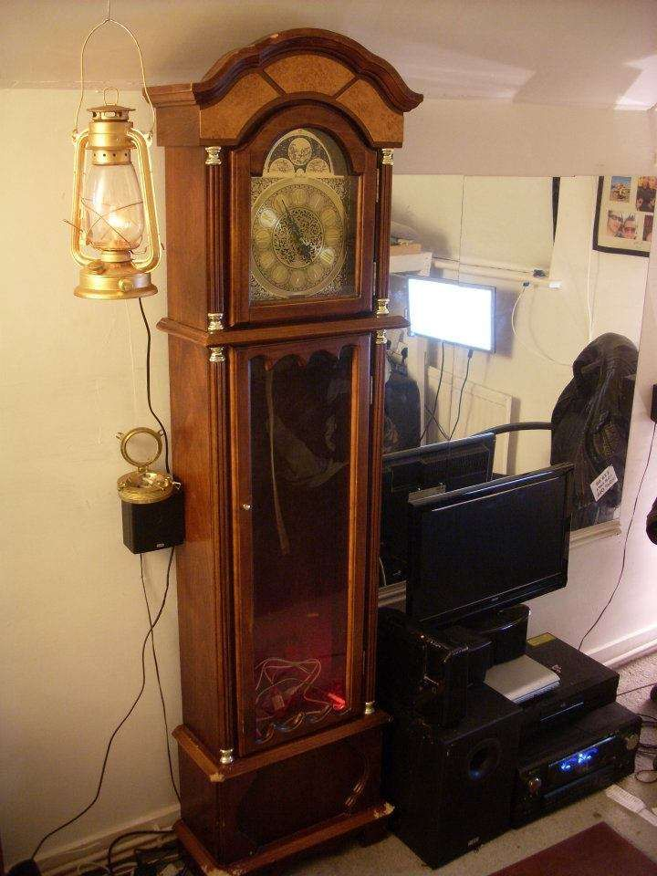 ANTIQUE PRICING GUIDE http://www.auctionlearning.com/clocks.htm