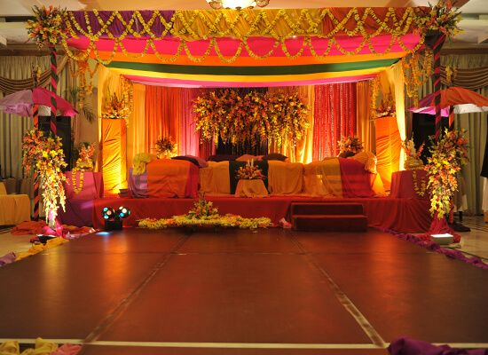 Best Mehndi Stage Decoration Pakistan