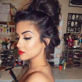 23+ Makeup com messy bun inspirations