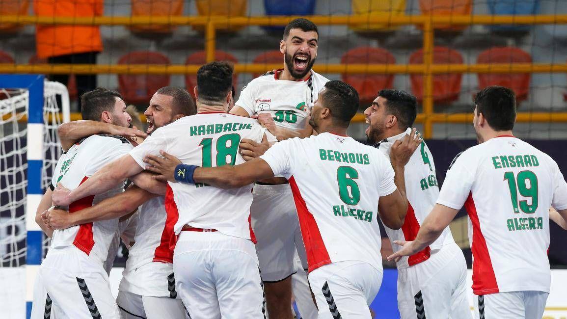 بث مباشر مشاهدة مباراة الجزائر وسويسرا في كأس العالم لكرة اليد In 2021 Match Of The Day Sports Jersey Football