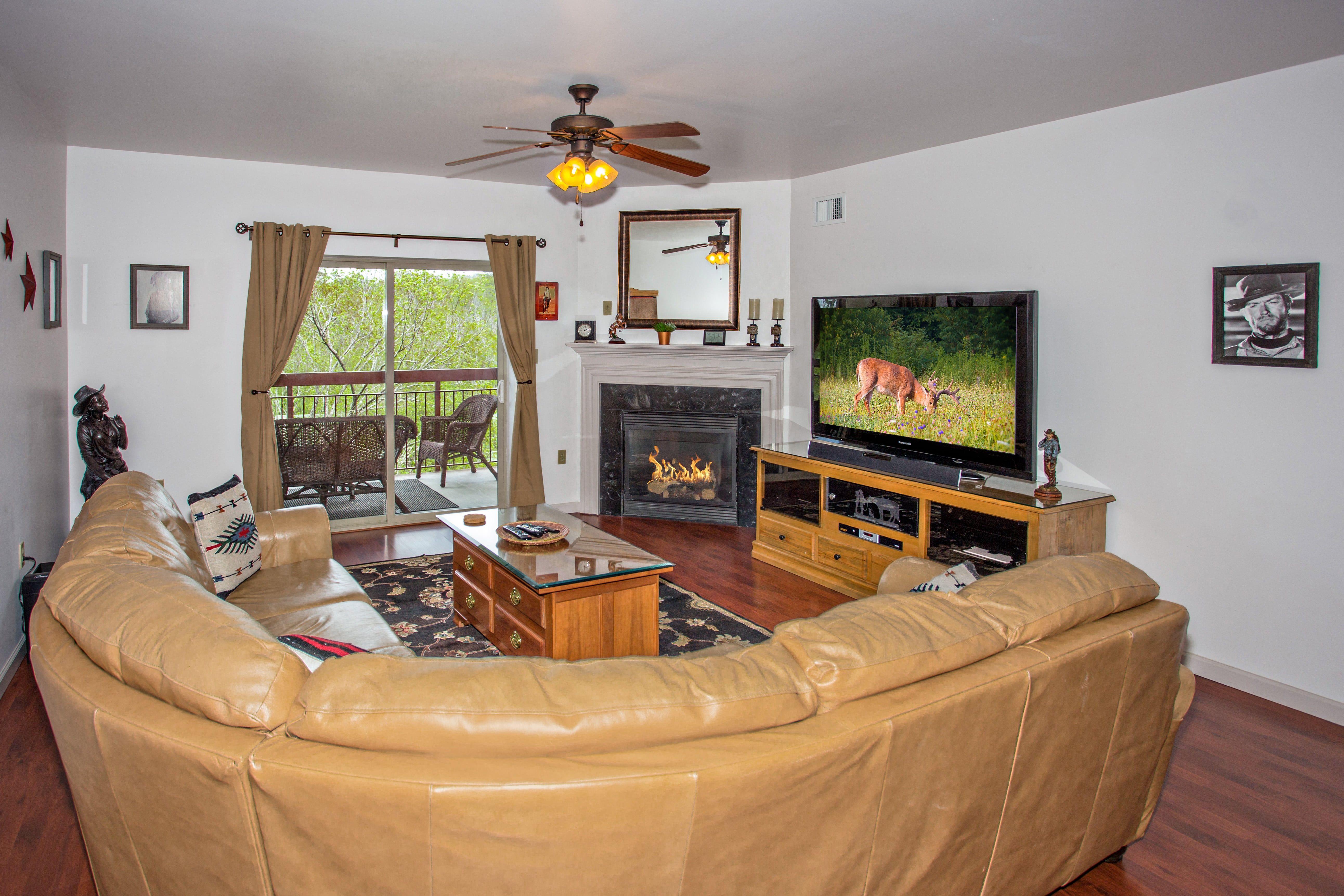 Cedar Lodge Has 2 3 Bedroom Condos In Pigeon Forge King Bedroom Luxurious Bedrooms 2 Bedroom Suites