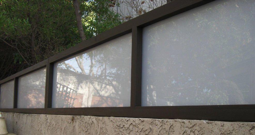 White Privacy Fence Extension Plexiglass Remodel Ideas Modern D Modern Design Modern Modern Design Fence Toppers Privacy Fence Fence Design