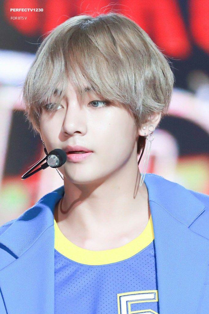 Korea Korean Kpop Idol Boy Band Group Bts Taehyung S Dna Hair Bangtan Long Silver Hairstyles Guys Men Kpopstuff Rambut Daegu Kim