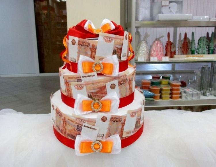 Dreistufige Torte Mit Geldscheinen Dekoriert Hochzeit Pinterest