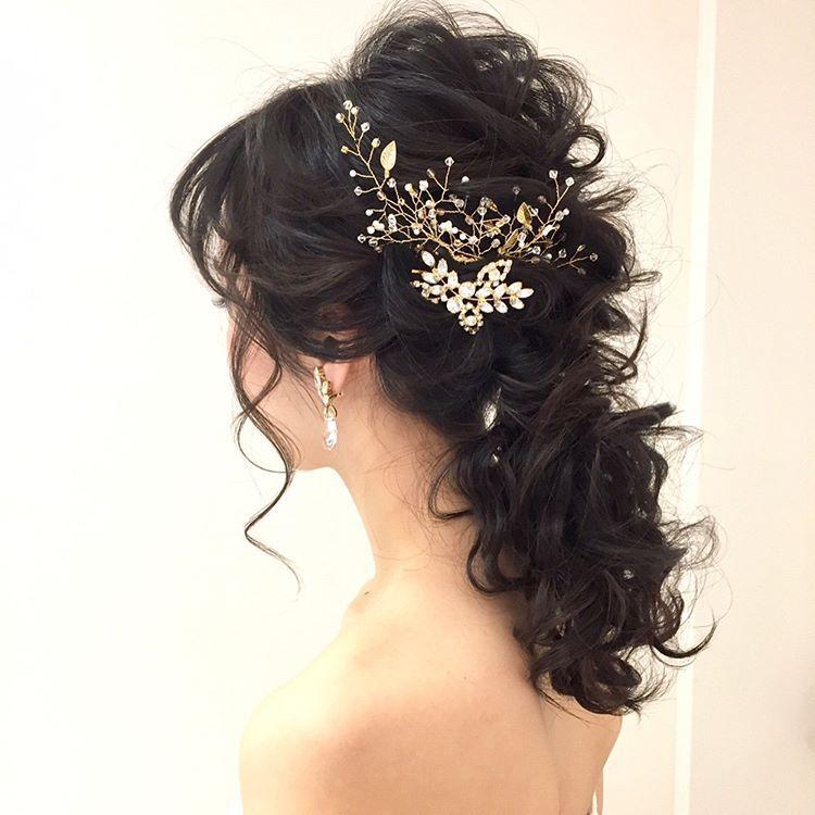 ブライダルヘアに人気『小枝アクセサリー』を使ったヘアアレンジ特集 | marry[マリー]