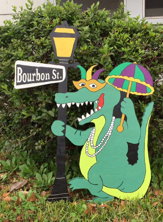 Mardi gras gator yard art by berwickbay on etsy mardi for Alligator yard decoration