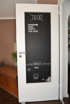 t r mit tafelfolie umgestalten wohnen diy deko pinterest tafelfolie wohnzimmer und haus. Black Bedroom Furniture Sets. Home Design Ideas