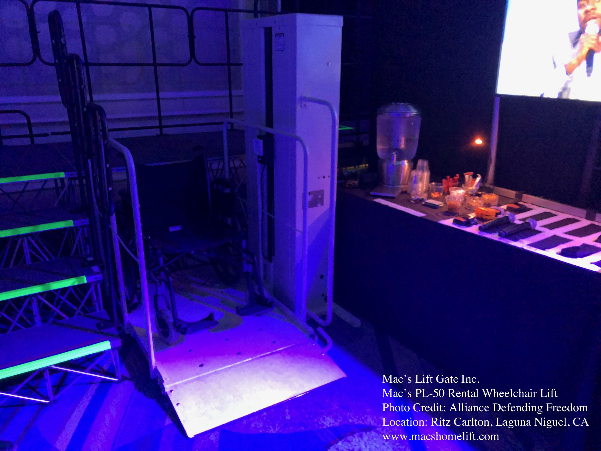 Mac S Pl 50 Wheelchair Lift Rental For Special Event Graduation Stage And More