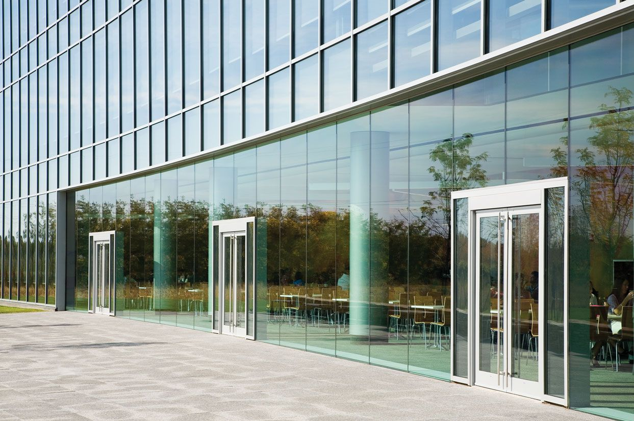 Kawneer S 1600 Wall Blast Mitigation And Hurricane Resistant Thermal Curved Curtain Systems Are A Stick Fabricated Pressure Glazed For