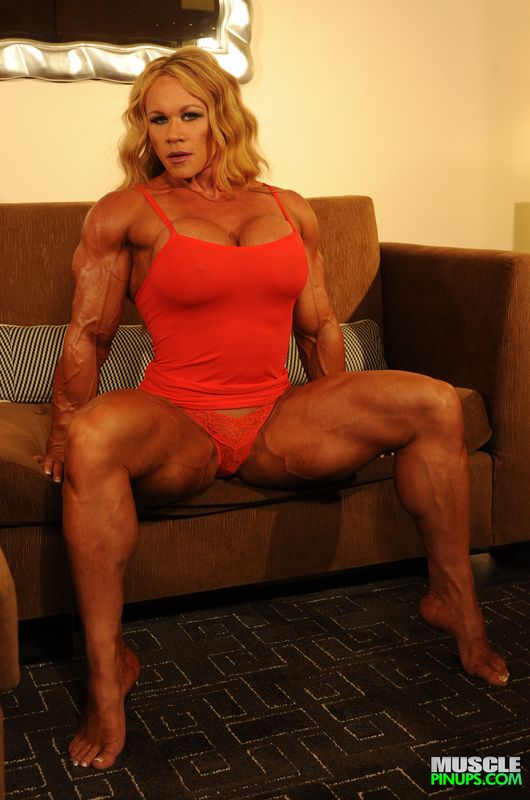 We Can Never Get Enough Of Aleesha Young Muscle Girls Bodybuilder Women Who Lift
