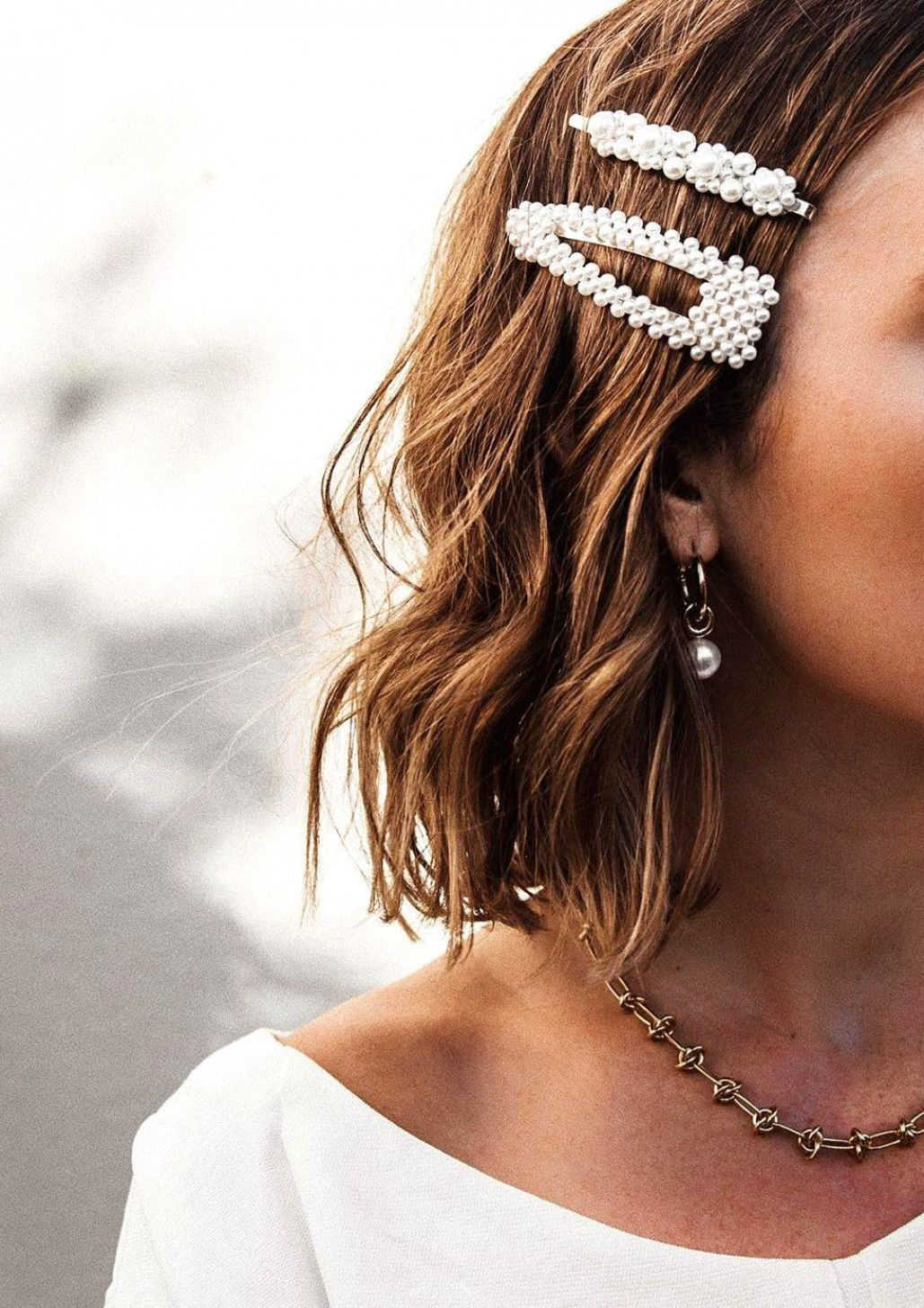 Pinterest Wedding Trends 2020 11 Trends You Need To Know About Pearl Hair Clip Hair Barrettes Short Wedding Hair