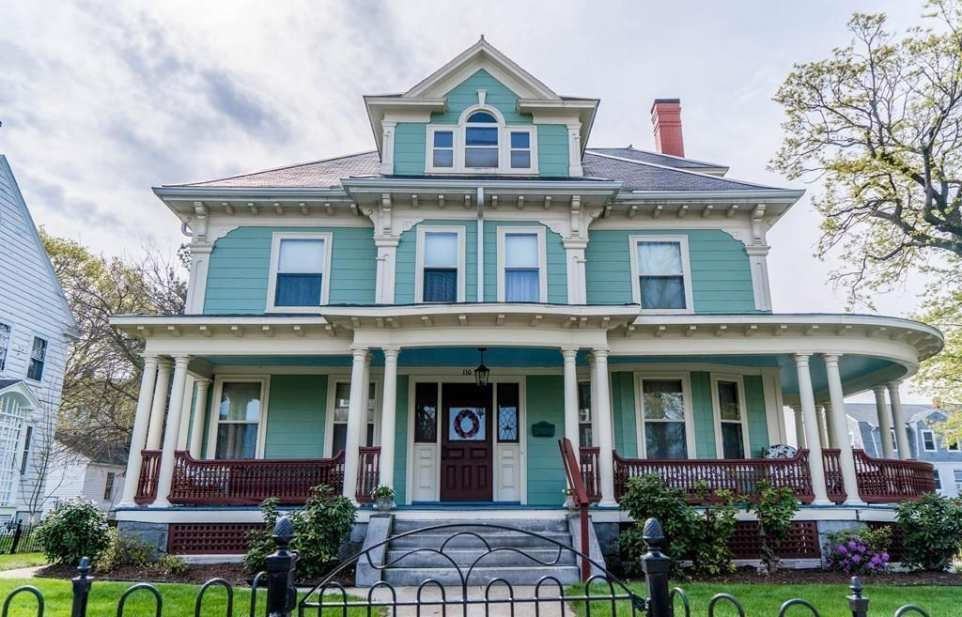 1906 Colonial Revival Worcester Ma 359 900 Old House Dreams Old House Dreams Colonial Revival Historic Homes
