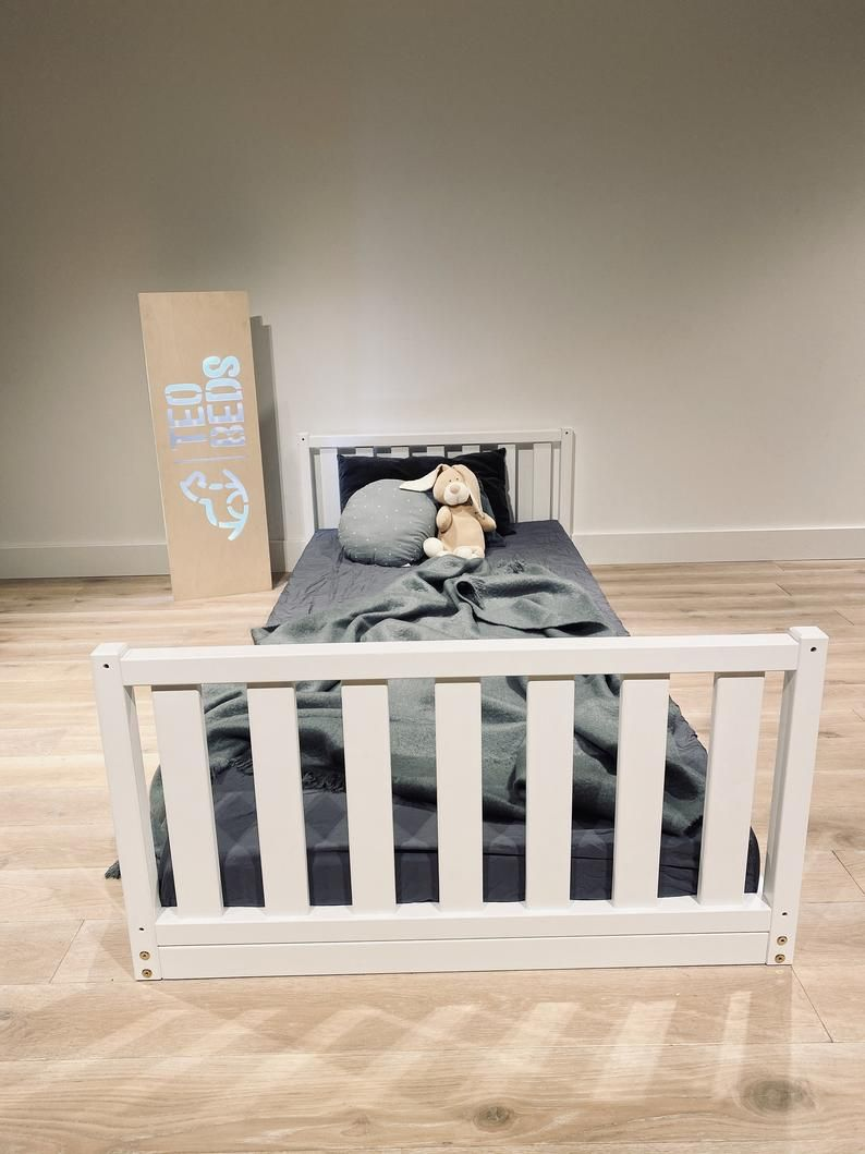 US Twin size 39x75 Toddler bed Play bed frame Children bed ...