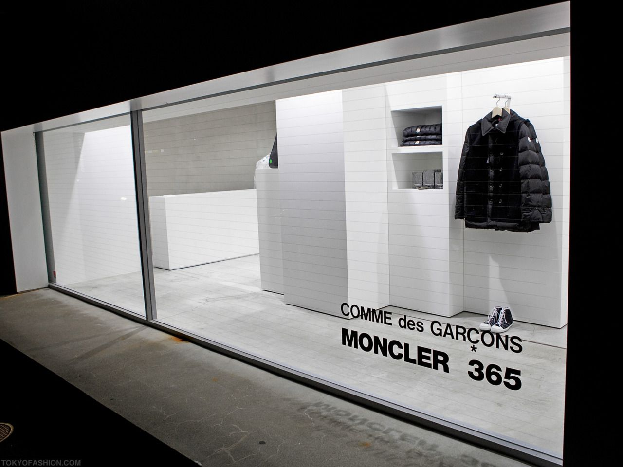Car sticker design shop - Moncler 365 Black And White Storefront Window Display Display Designstore