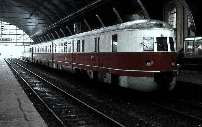 Schnelltriebwagen der Bauart Koel,Baureihe 182 der DR im