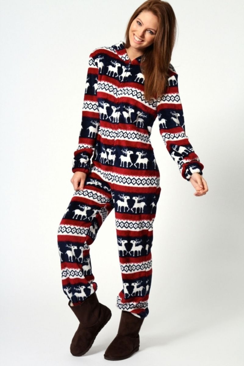 Fashion style Chic and cozy winter pajamas for lady