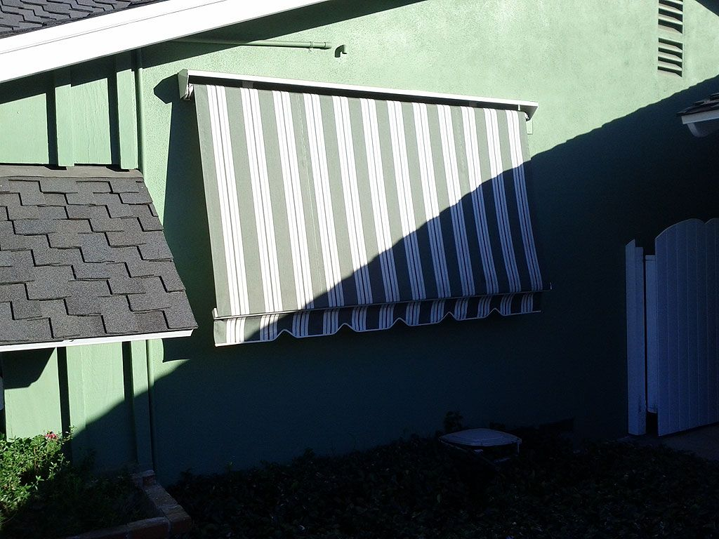 Robusta Heavy Duty Retractable Window Awning Patios And Backyards
