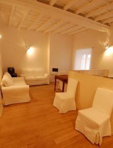 Apartments in Rome - living room1, big apartment - Piazza Santa Maria, Trastevere