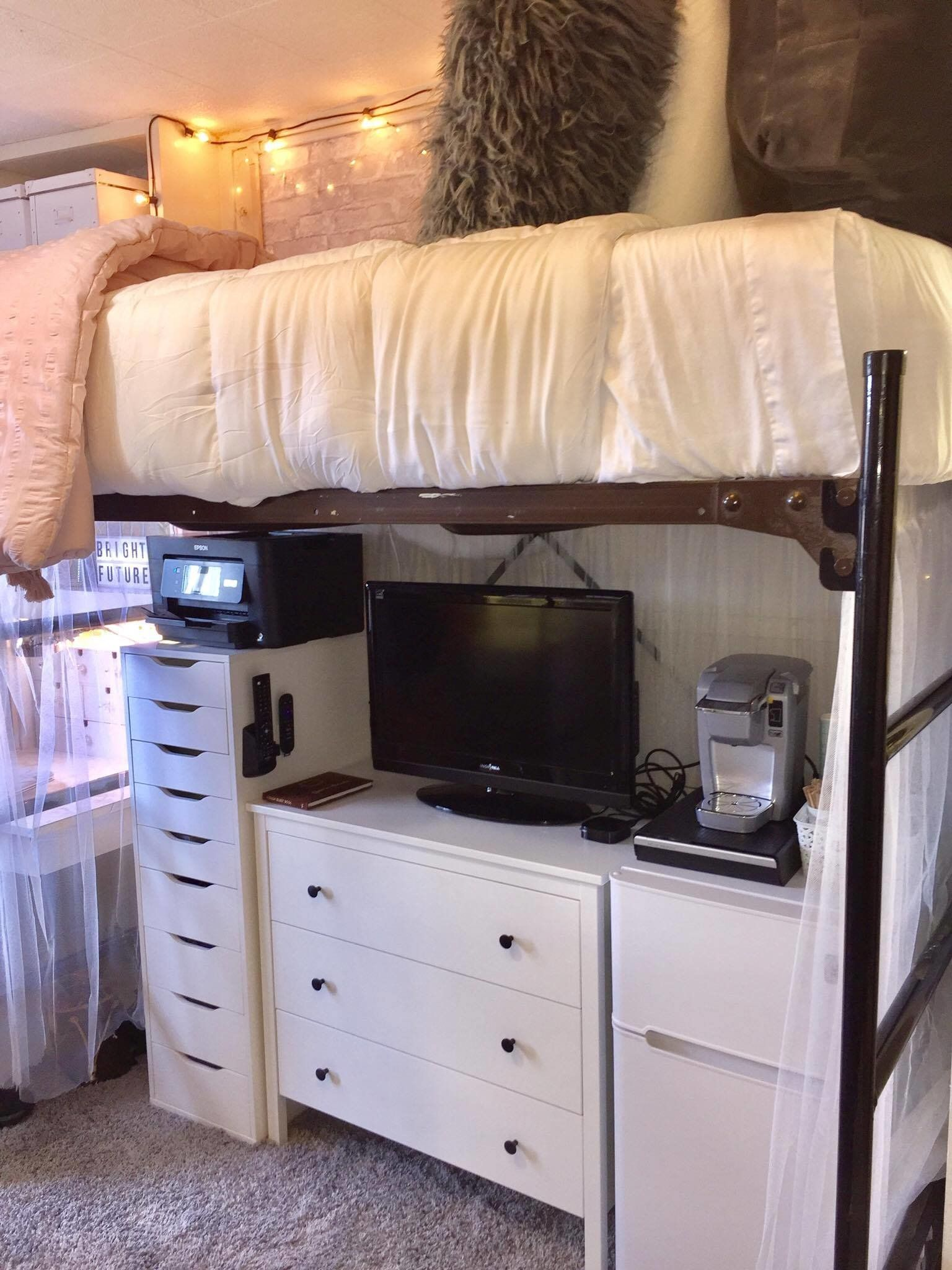 15 incredible dorm room makeovers that will make you want