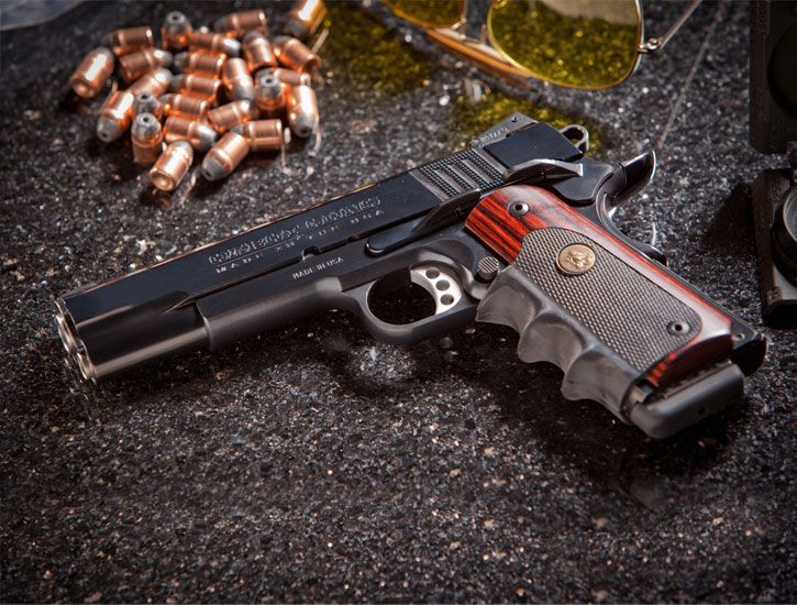 Colt Rangemaster - Pachmayr (Rosewood/Rubber) Finger Groove
