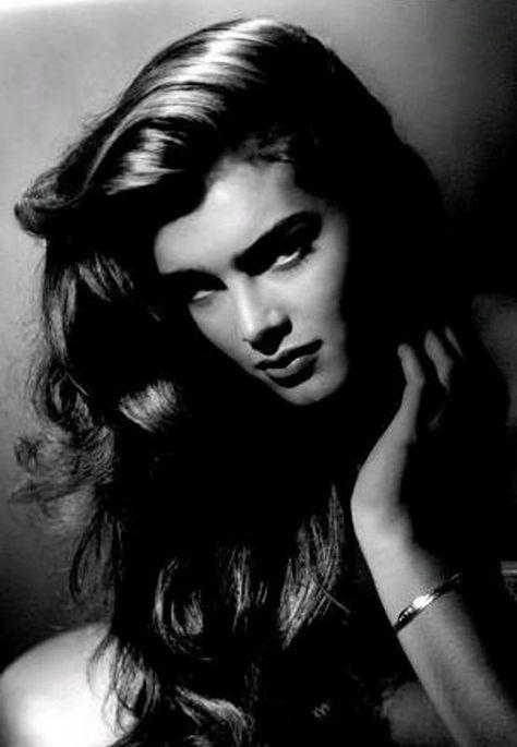 25 Stunning Vintage Hollywood Portraits #hollywoodlegends
