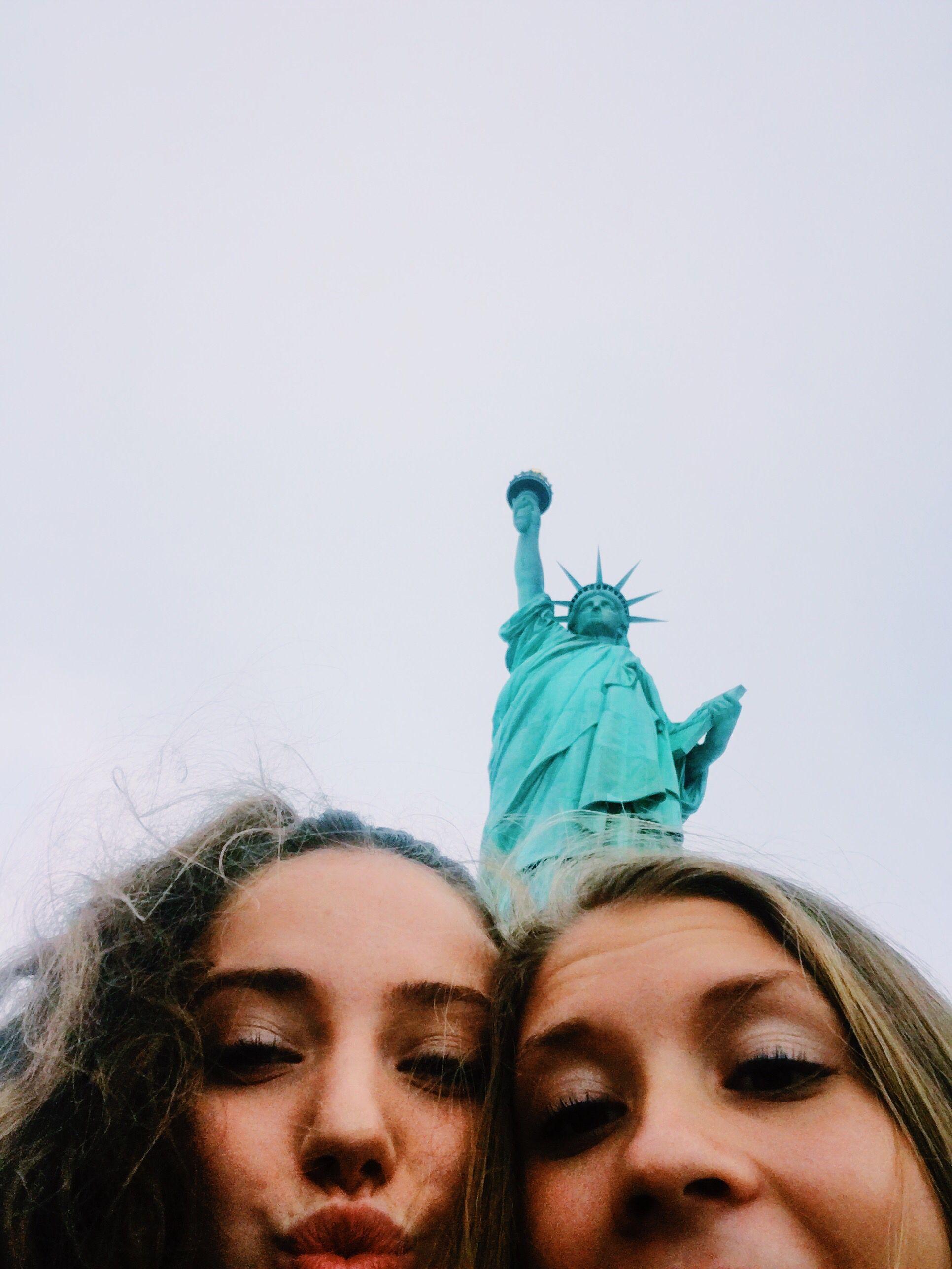 Statue Of Liberty Cute Pics Cute Ideas Picture Ideas Friends Poses Fotos Ny Fotos En Ny Fotos En New York