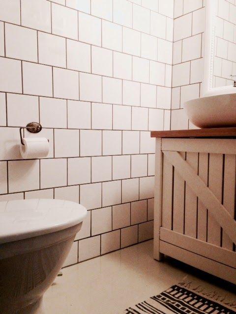 Sisustunikseissä sivutaan myös kodin kosteita tiloja. Kurkkaa, kuinka WC uudistuu pienillä muutoksilla. #sisustusniksit