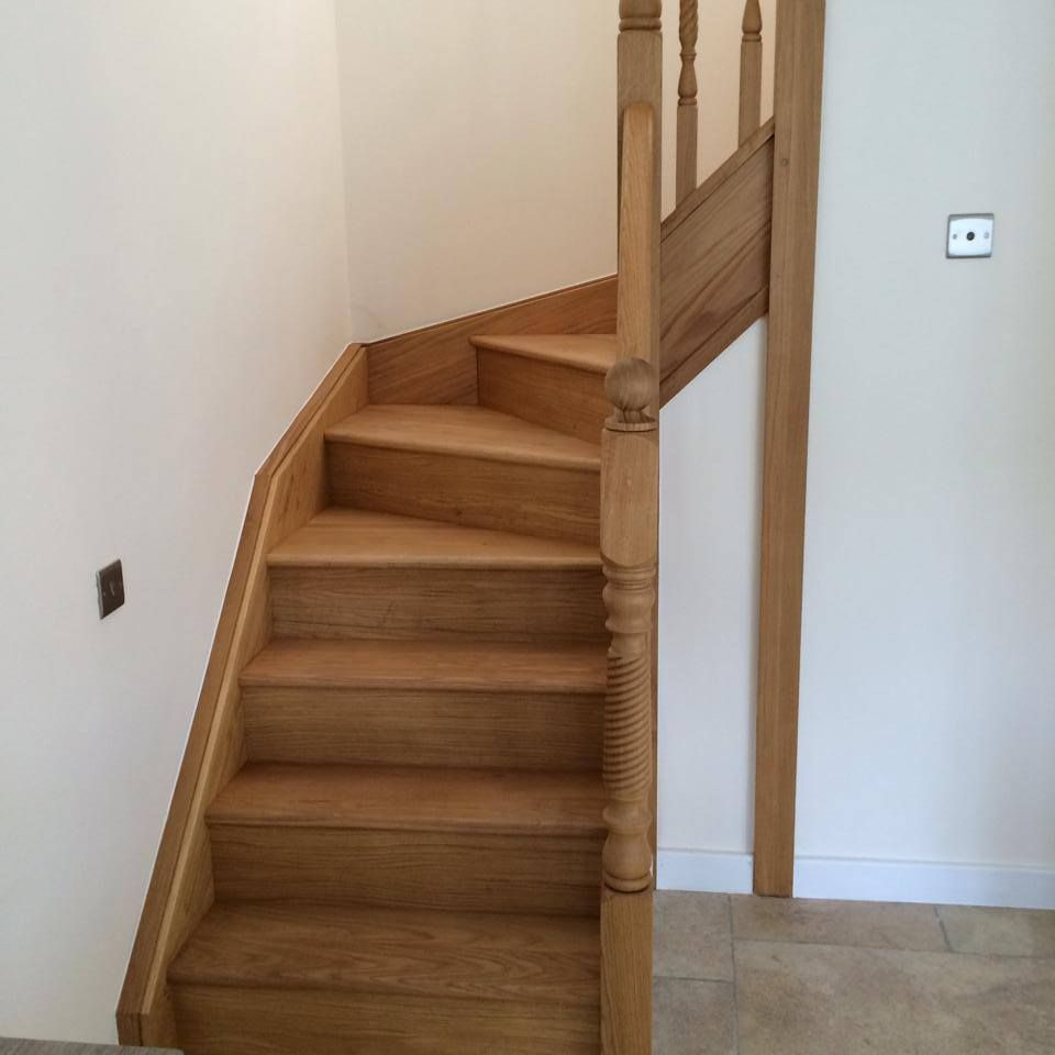 40 Brilliant Under The Stairs Employment Ideas: Oak Double Winder Stairs With Oak Barley Twist Oak Double