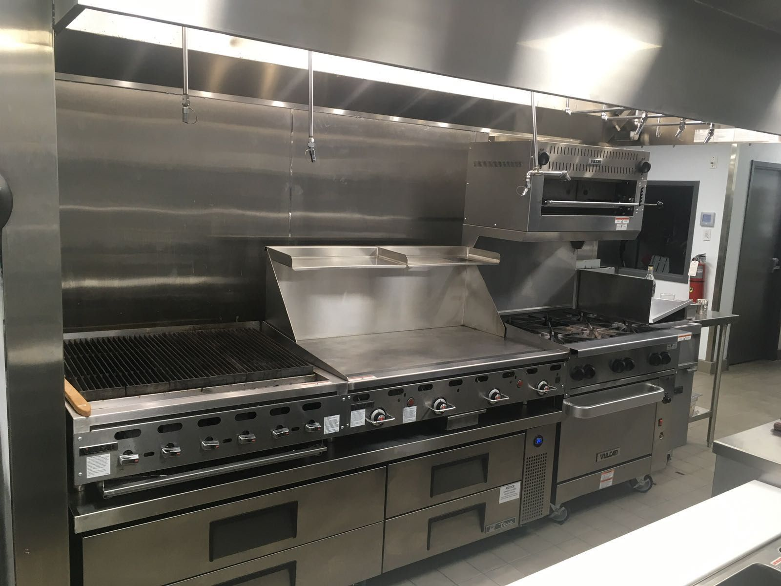 Offering Refrigerated Chef Bases Countertop Charbroilers