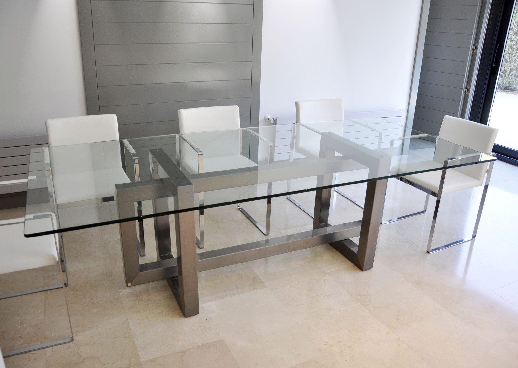 Mesa de comedor rectangular para exterior de for Comedores de madera y cristal