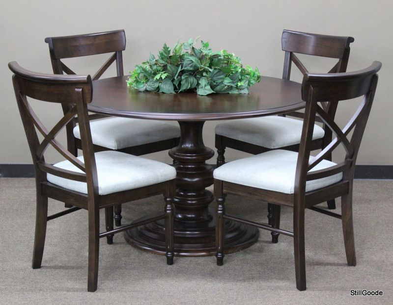 Brand New Bassett Dining Set Consisting Of Pedestal Base Round Table And 4  Cross Back Dining