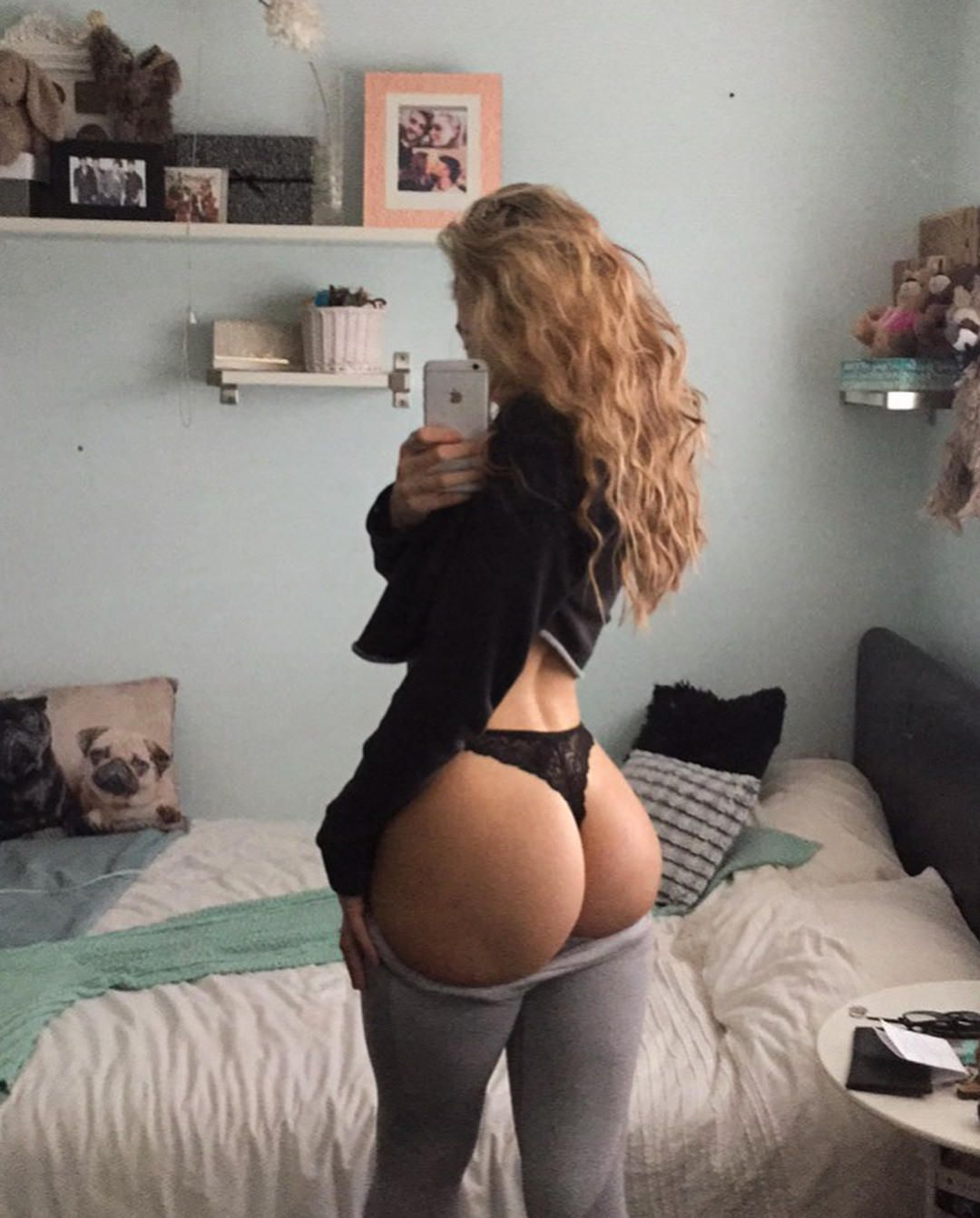 Teen Big Ass Selfie