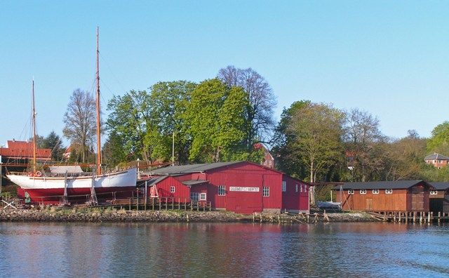 Lillebælt - Værftet is an old shipyard, now a museum, in Middelfart (yes, that's the name), Denmark that was founded by Mads Illum around 1885.  Mads was the first cousin of my great-great grandfather, Mads Hansen.