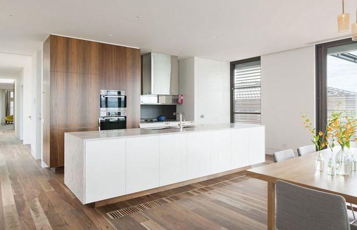 Houten vloer witte keuken vloeren keuken keuken