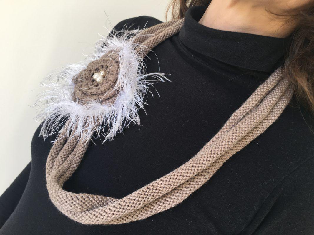 Collier en laine marron 2   Lilou Création de mode en 2018   Pinterest 205fdb243e2