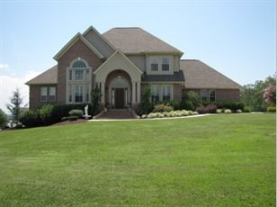 Single-Family Home - 829 Pinnacle Dr., Dandridge, TN 37725 - Great lakefront home Dandridge, TN