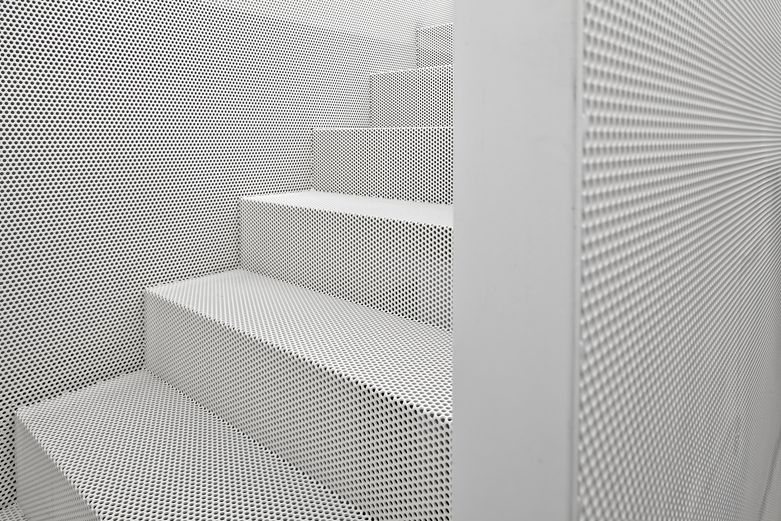 Best Andrew Maynard Architects Black House Perforated 640 x 480
