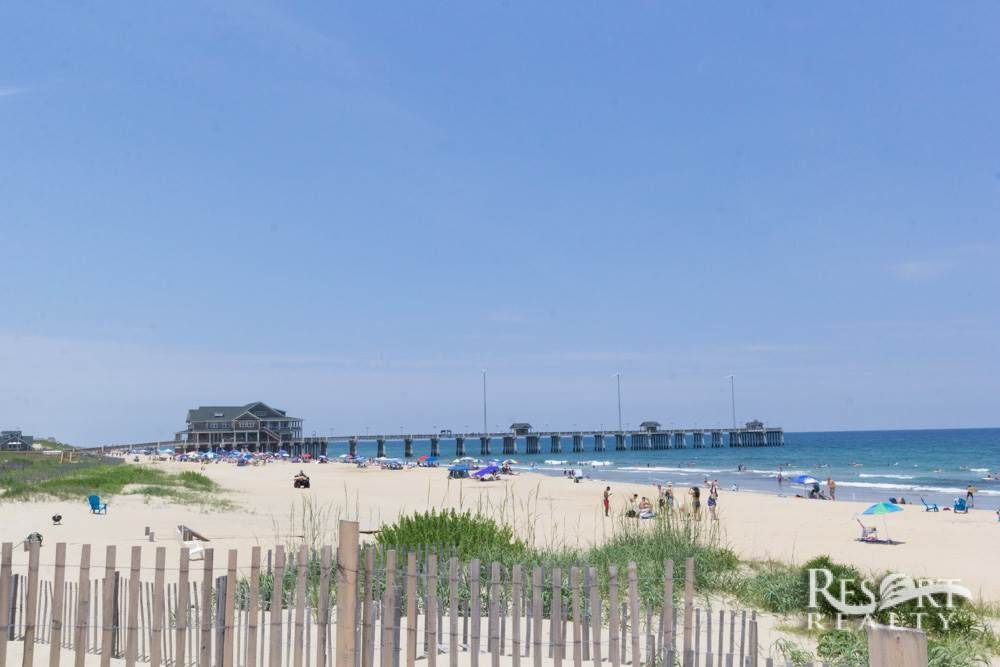 Sails 1 Oceanfront 8 Bedroom Nags Head Vacation Al With Private Pool Tiki Bar Resort Realty Of The Outer Banks Obx