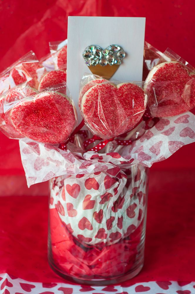 DIY Valentines Day Cookie Bouquet #SendingYourLove #CollectiveBias #ad @walmart