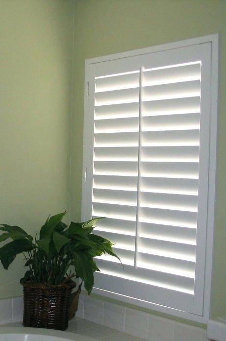 Grundbeleuchtung Falsche Fensterlamellen Turen Google Suche Kellerideeneinrichtu Falsche Fensterl In 2020 Basement Windows Basement Living Rooms Basement Decor