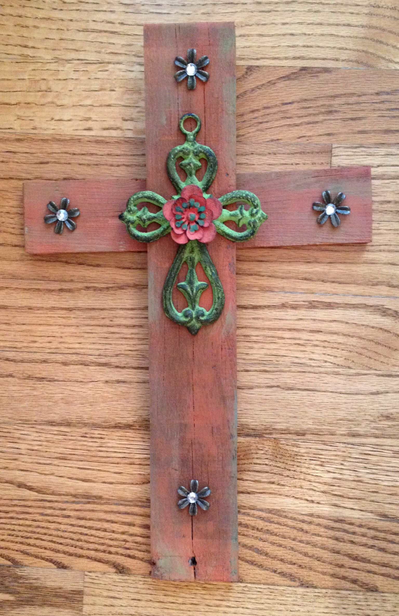 Rust w: green cross rust flower. 16x10.5. $25