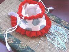 Four Seasons in Japan: chirimen-zaiku(crepe crafts)