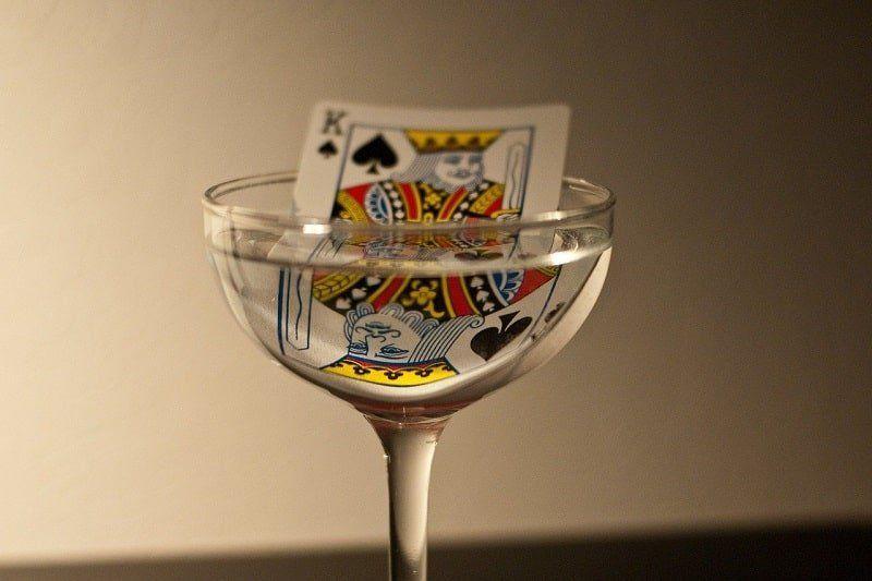 Kings Cup Regeln und Spielanleitung | Partyspiele, Spiele